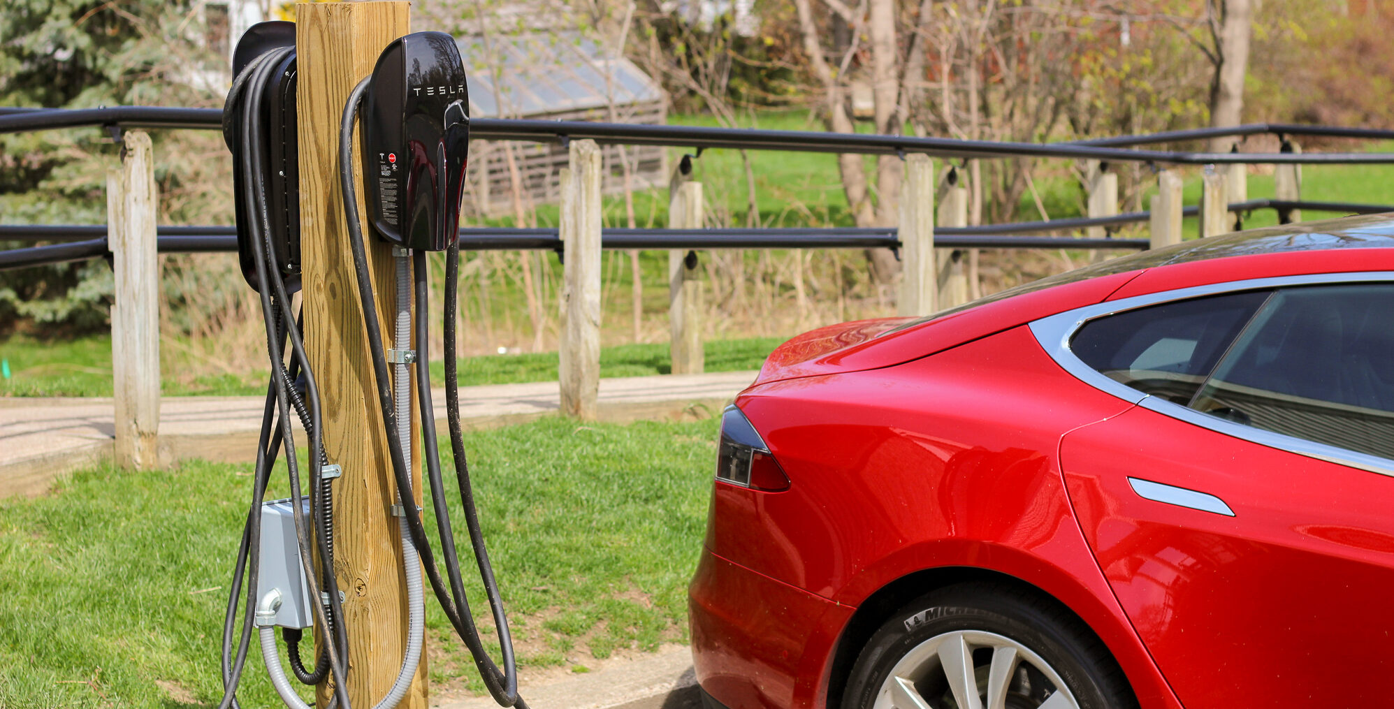 Four Takeaways Employers Should Know About the Electric Vehicle Transition